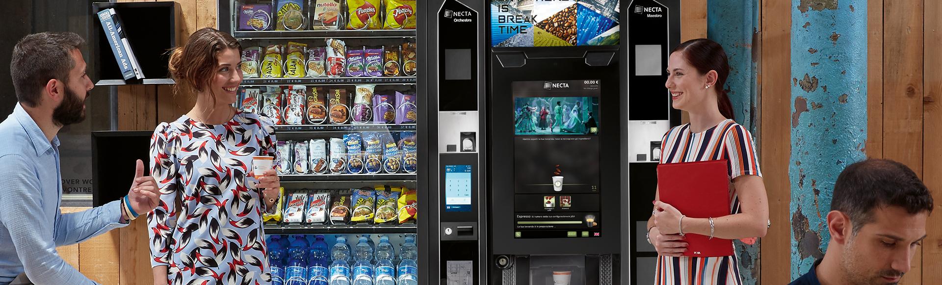 Un buen café en la oficina con las máquinas vending